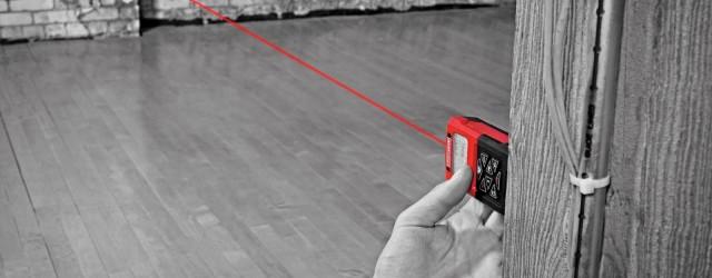 areamätning i lägenhet med laserinstrument